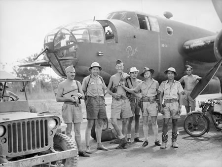 Mitchell N5-131 mixed Dutch -Aussi crew after raid over NEI