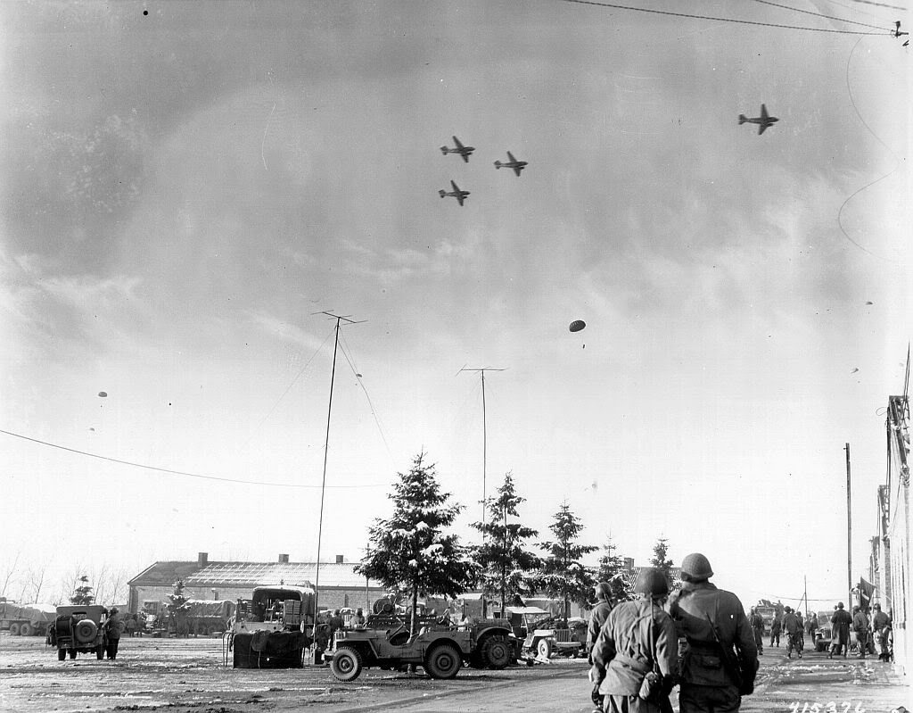 Dakota Bastogne supply drop 1944